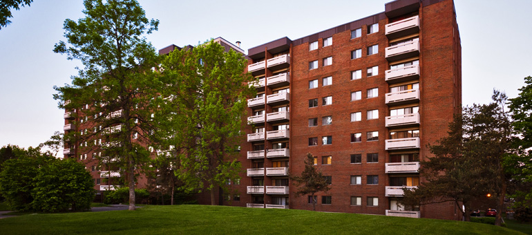 Accora Village Apartments in Nepean