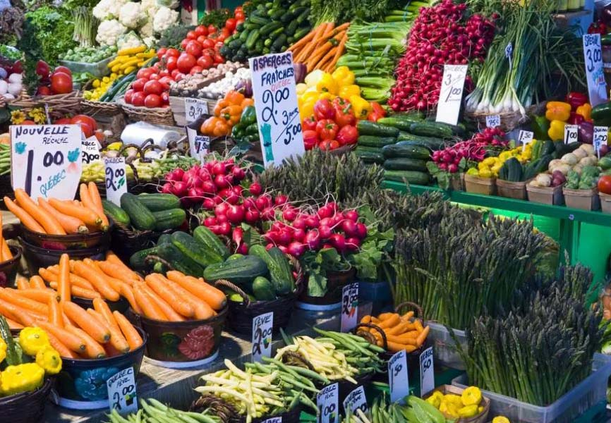 Fresh fruits and veggies at a farmers market