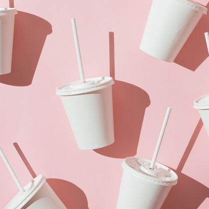 A large amount of cups with straws