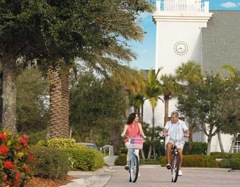 Couple bike riding at LakePark, located in Port. St. Lucie