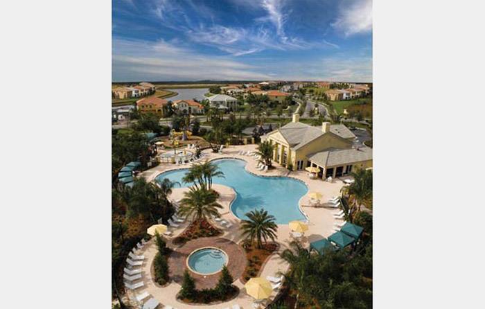 Resort-style amenities in the heart of Tradition