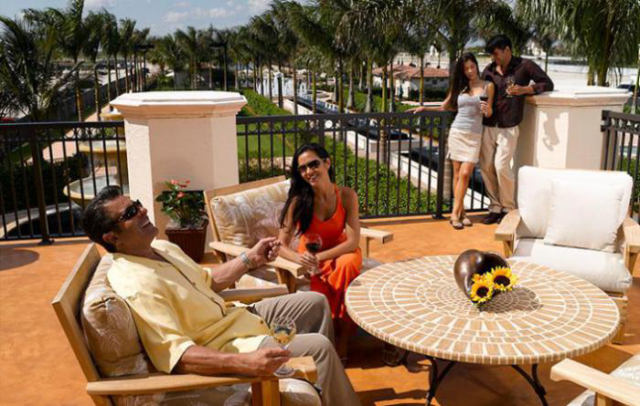 Enjoy the clubhouse lifestyle with resort-style amenities at your doorstep
