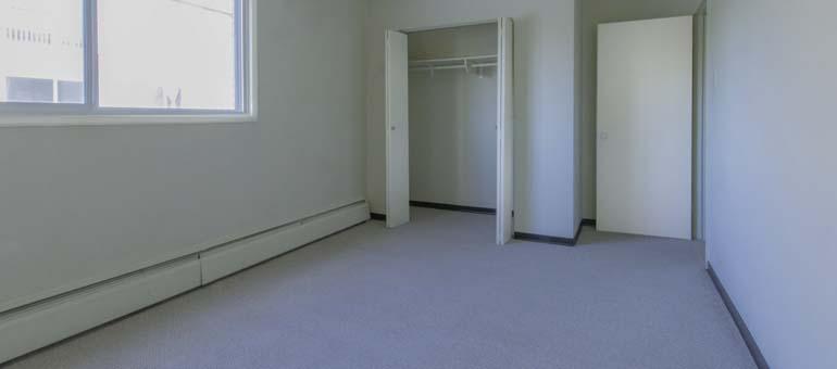 Mercury Apartment's bedroom